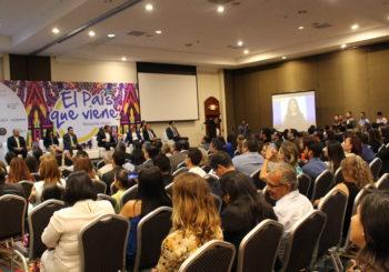 Reconocen a personalidades que respaldaron la iniciativa El país que viene durante 2014-2018